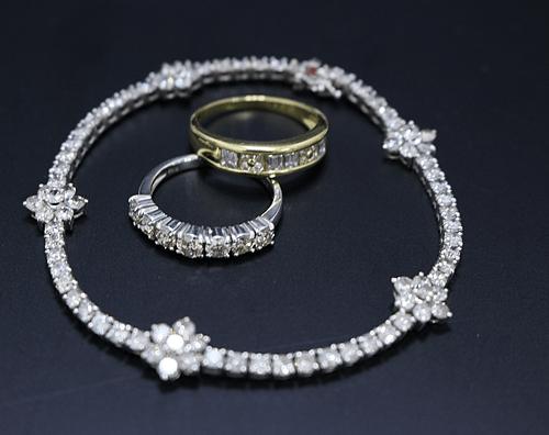 【ダイヤモンドジュエリー買取】指輪、ブレス、タイピンなど