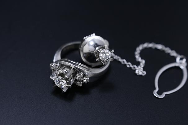 ダイヤモンドジュエリー、指輪、タイピンなど