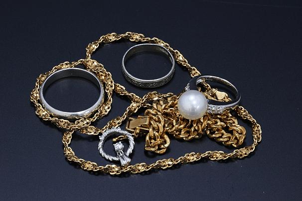 指輪、ブレス、ネックレスなど金プラチナ
